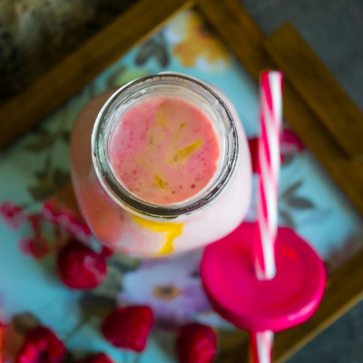 raspberry mango smoothie