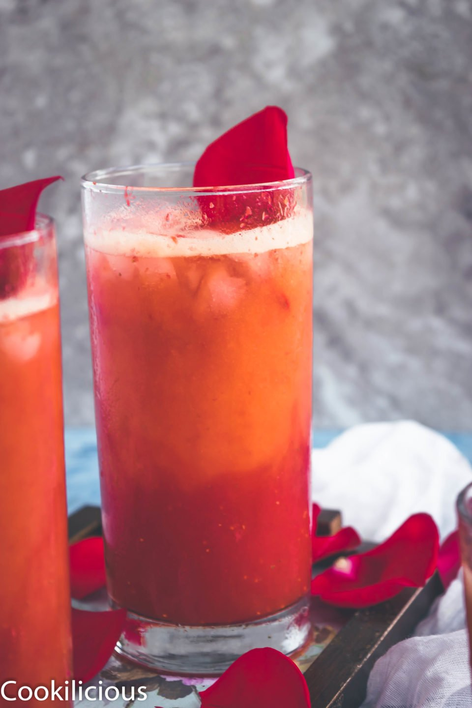 Tropical Orange Strawberry Spritzer - A Non Alcoholic Party Drink!Drinks