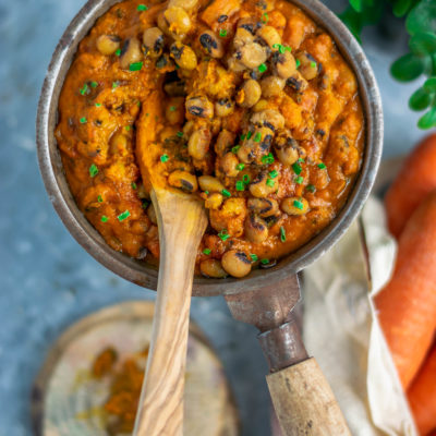Black Eyed Peas in Sweet & Sour Carrot Gravy |  Lobia Ki Khatti Meethi Dal