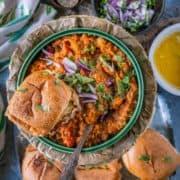 pav bhaji served with water rolls