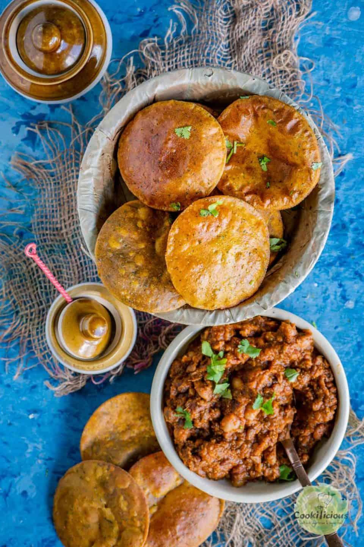 Sweet Potato Masala Puri served with curry